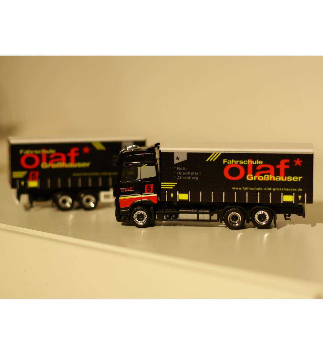 """Teamtruck """"Fahrschule Olaf Großhauser"""""""